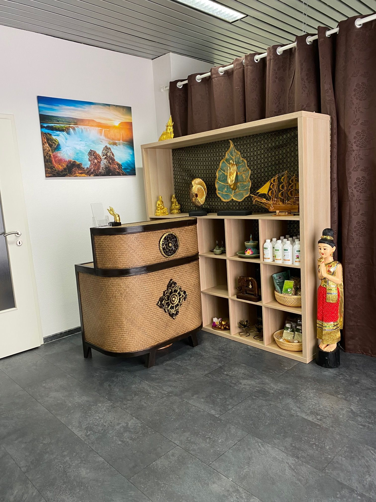 Nakin Thai Massage - Empfang
